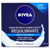 Nivea Aqua Effect Crema nutriente riequilibrante giorno e notte con Vitamine E & Hydra IQ, per tutti i tipi di pelle